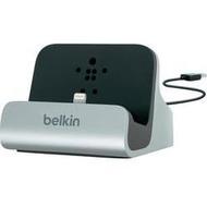 Belkin Desktop-Ständer für iPhone (mit Lightning-Kabel)