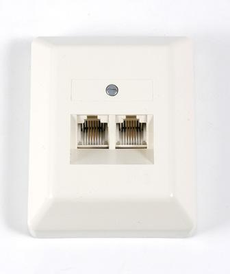 ZE Kom ISDN-Anschlussdose (doppelt) mit LSA+ Anschlussklemmen, Aufputz