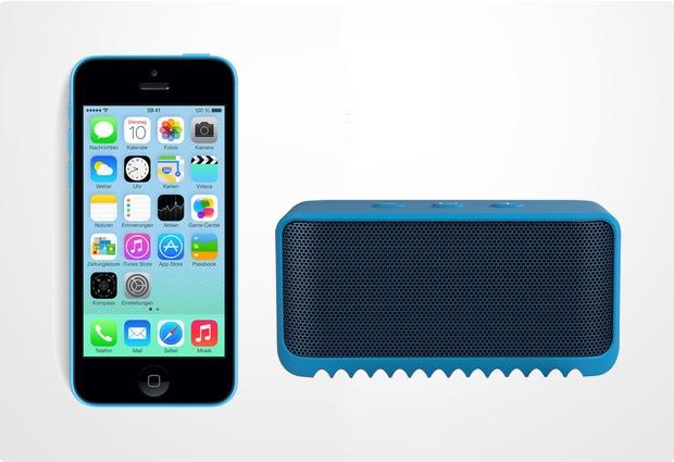Apple iPhone 5C, 16GB, blau (Telekom) + Jabra Bluetooth Lautsprecher Solemate mini, blau